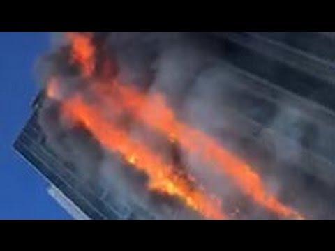 Обитатели горящего небоскреба в Китае выкладывают в Сеть ужасающие видео