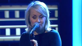 Louise Hoffsten - Only the dead fish follow the stream (Live @ Nyhetsmorgon)