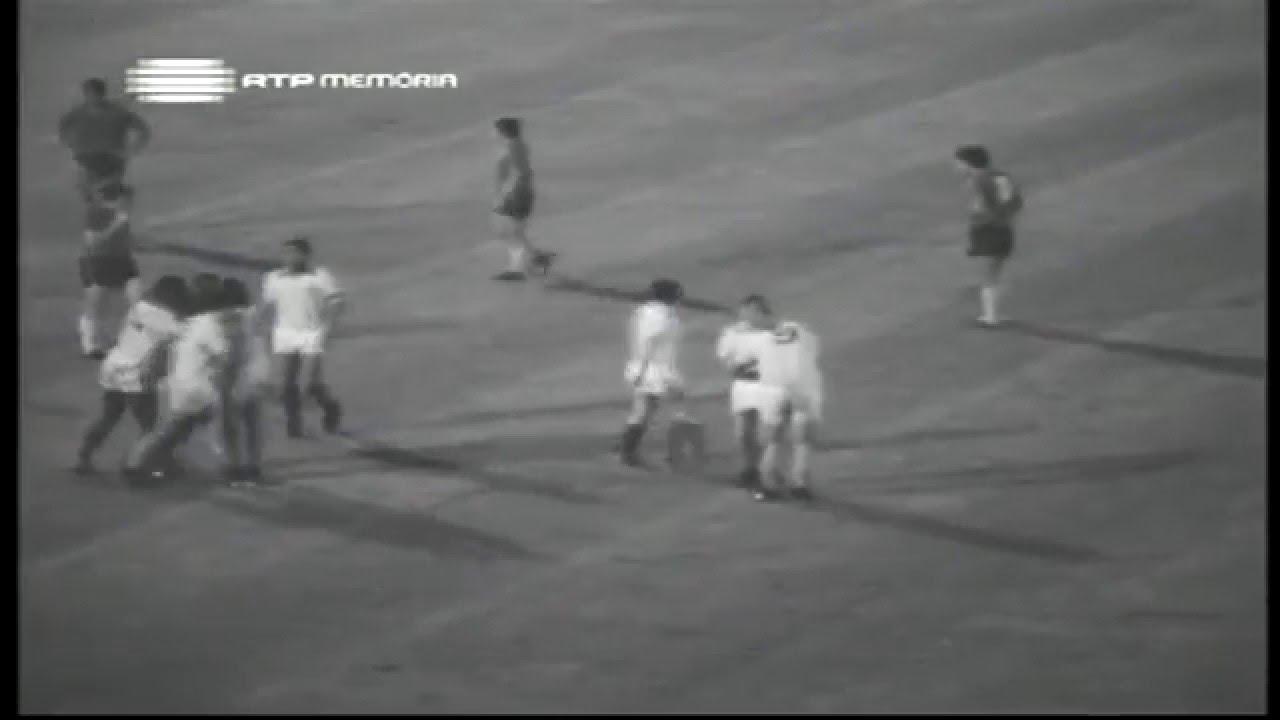 Dinis (Sporting) no Portugal - 4 x Chile - 1 da Minicopa 1972 - Fase Grupos