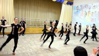 ВРАЩЕНИЯ и ПРИСЯДКИ на открытом занятии в Народном ансамбле танца РАДОСТЬ, г. Днепропетровск