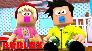 Nous sommes des bébés à Roblox !