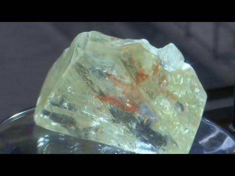 اقتصاد - سيراليون: الحكومة تبيع قطعة من الماس ب 6.5 مليون دولار  - 17:23-2017 / 12 / 5