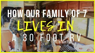 Gambar cover How to live in an RV with a big family
