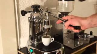 Espresso shot with La Pavoni - Europiccola and Demoka - Minimoka mill