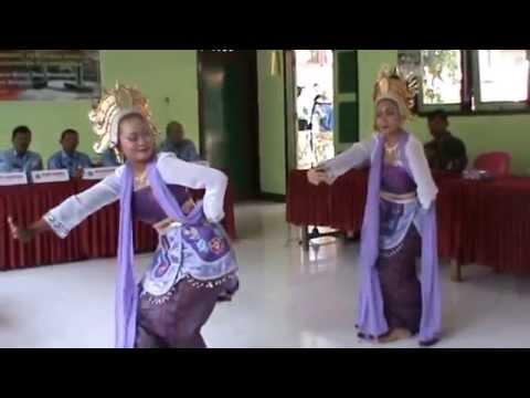 Tari Galiyer, SMPN 2 Pucanglaban, Tulungagung.