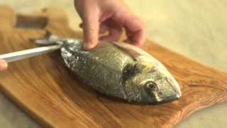 Pesce fresco: come spinarlo
