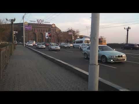 Мост через реку  Раздан в  Ереване в Армении.