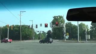 TRAFFIC LIGHTS THAT ARE VERY STUPID IN MY TOWN.