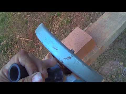 Вопрос: Как разрезать кирпич?