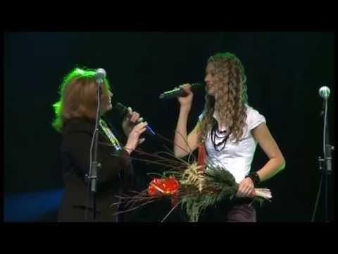 Anita Kralj & Tereza Kesovija - Angeli živijo / Pronađi put (A cappella) (MGNZ 2012)