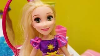 Disney Princess #Rapunzel Polen'e yalan söylüyor. Oyuncak bebekler ile #kızoyunları
