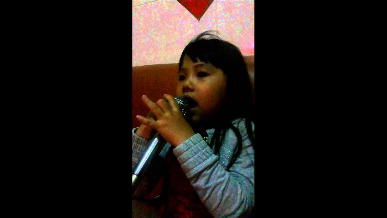 可愛的小公主 唱歌 【烏克麗麗】