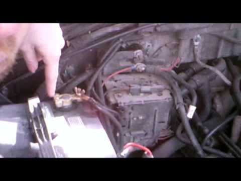 finding and fixing a bad starter solenoid youtube rh youtube com 2000 ford f350 7.3 diesel engine diagram 2001 F350