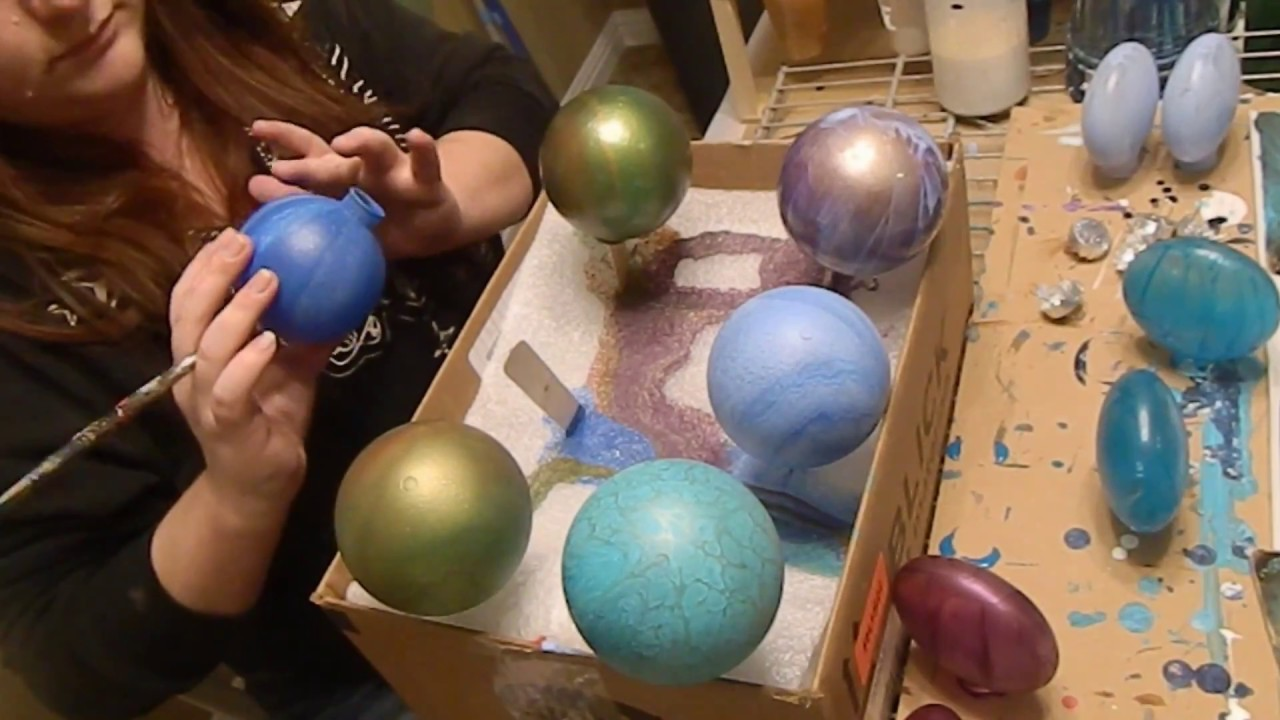 39 diy acrylic poured christmas ornaments youtube for Clear plastic craft ornaments michaels