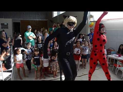 As crianças dançando com a Ladybug e o catnoir ( Magia das festas) thumbnail