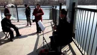 Gambar cover Traditional Chinese music in Jinzhou city north lake park in Liaoning province ..