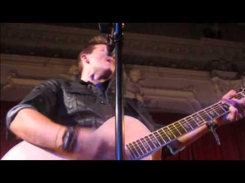 Tyler Ward - Never Say Never / Use Somebody COVER (12/11/13 London Bush Hall)