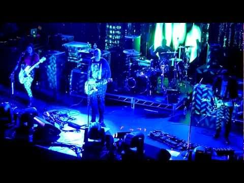 Smashing Pumpkins - 10/18/11 - [Multicam/Full Show] - Terminal 5 - New York - [720p]