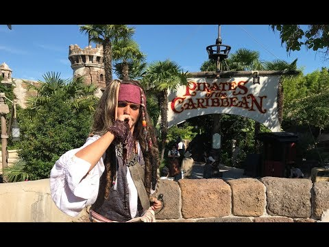 New Pirates Auctioneer Scene - Redhead & Jack Sparrow inside !