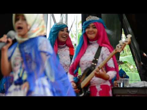 Jaran Goyang Bersama Qasima. Tuan Rumahnya Ikut Nyanyi Diiringi Musik Qasima