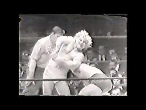 Gorgeous George vs Cyclone Anaya May 23, 1950 1950's professional wrestling Golden Age