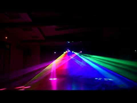 Show lumineux Laser multicouleur et Lyres beam 7r