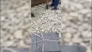 Прикордонники виявили 1,5 тисячі пачок сигарет під гравієм