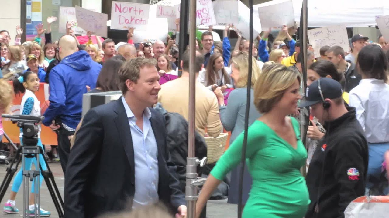 Savannah Guthrie And Husband Michael Feldman Holding Hands At Today Show Youtube
