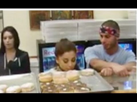 Ariana Grande Donut-Licking At Wolfee Donuts - No Charges