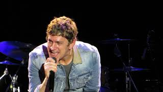 """Rob Thomas """"Pieces""""  (Alex Beck on Piano) Live at The Music Box"""