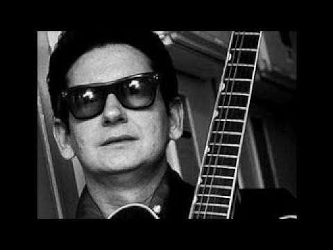 Blue Bayou Roy Orbison (with lyrics)   2017