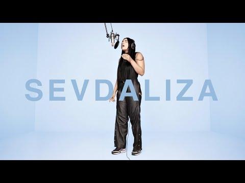 SEVDALIZA - AMANDINE INSENSIBLE | A COLORS SHOW x Highsnobiety