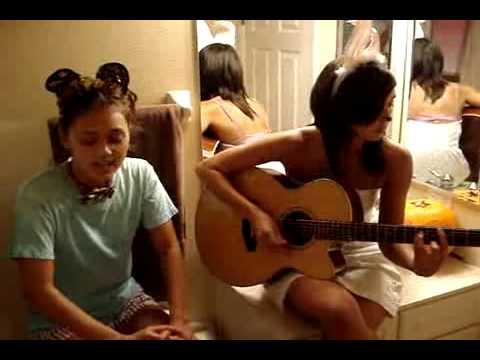 Meg & Dia - Halloween (acoustic)
