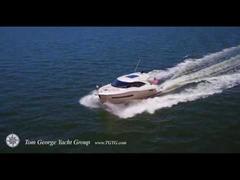 Tom George Yacht Group  Carver C37 Coupe
