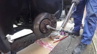 Как снять передний полуось chrysler Dodge