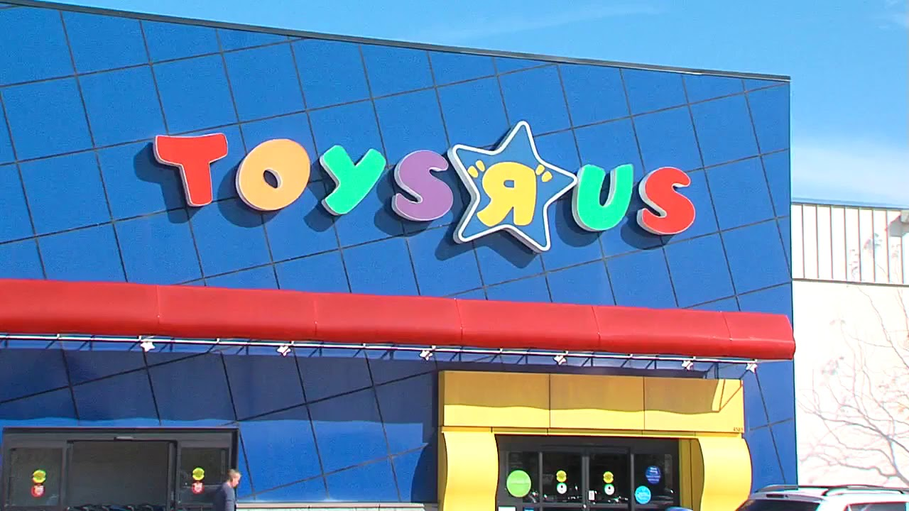 Is it safe to shop Toys R Us? - YouTube