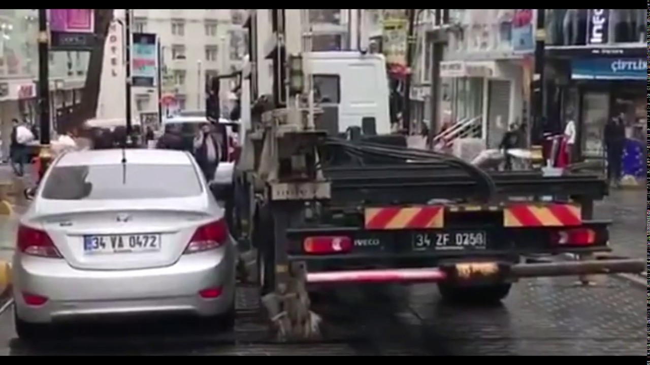 Flatbed Tow Truck >> Must see - Interesting Side loading tow truck - illegal ...