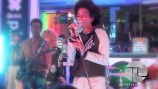 Solange Performs Nivea