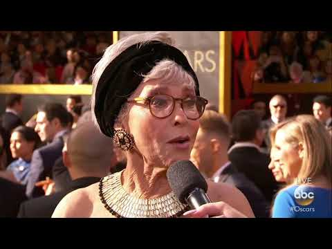 Rita Moreno recycles her Oscars dress from 1962