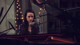 Jennifer Ann - Lay Back Down (Live at Music Sales)