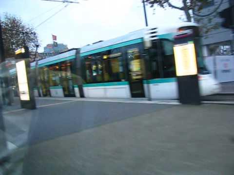 La Station Porte de Versailles de la ligne de tramway T2 à Paris