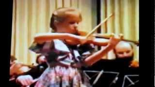 Julia Fischer (8 Jahre alt) - Beriot Violinkonzert, Leitung: Josef Polyak