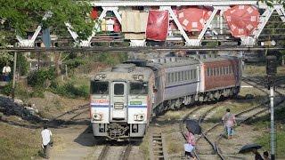 ミャンマーを走る日本製の列車とバス
