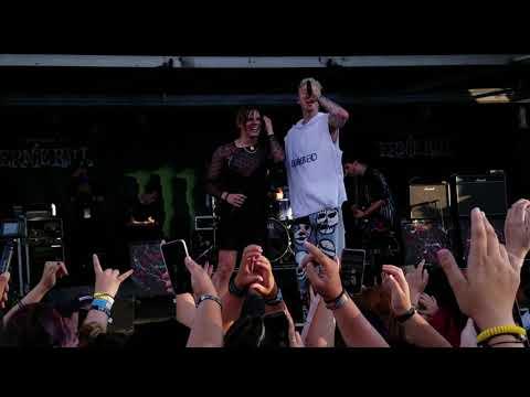 I Think I'm OKAY! Yungblud & MGK live @ Warped Tour 2019