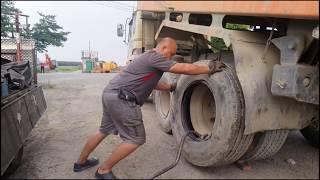 砂石車換輪胎 Taiwan truck change tire