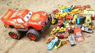 MCQueen Cars Crane Truck Helicopter Find Cars Under the Lake | Truck Toys for Children | Kids Videos