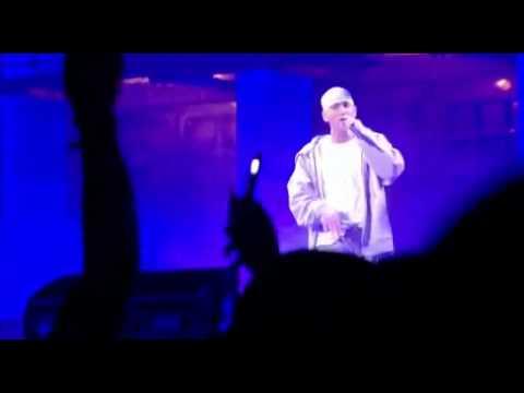 eminem---stan-live-performance-(nyc)-2005