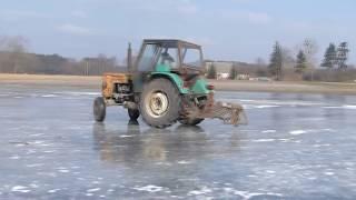 Drifty ciągnikami na lodzie| Special na 2000 subskrybcji | Ursus leci bokiem|