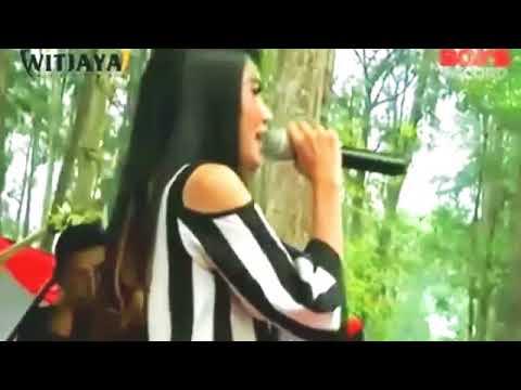 NELLA KHARISMA TANGISE SARANGAN LIVE CILACAP 2017