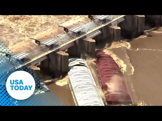 Two loose barges strike Oklahoma dam | USA TODAY
